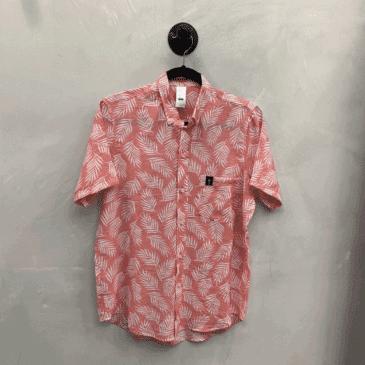 Camisa rosada hojas