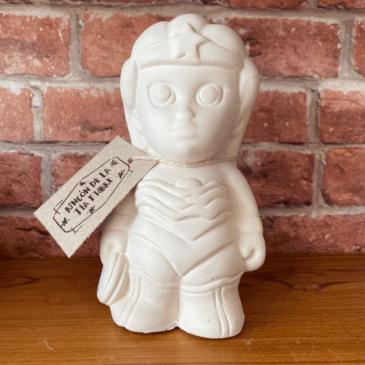 Figura de cerámica Mujer Maravilla